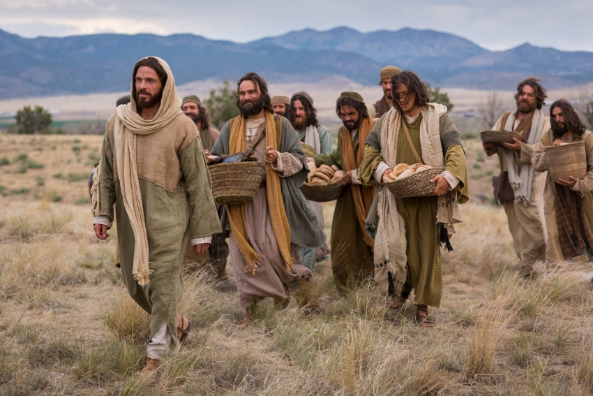 Lucas, un evangelio universal (XXXIX):  El coste del discipulado (14: 25-35)