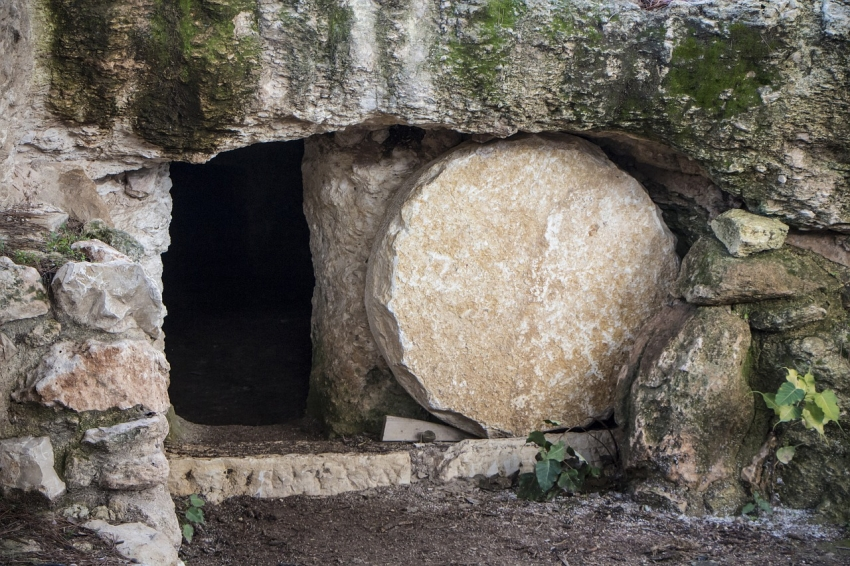 Marcos, un evangelio para los gentiles (XXIX): 15: 42-16: 8: aquel prodigioso día de domingo (I): la tumba vacía